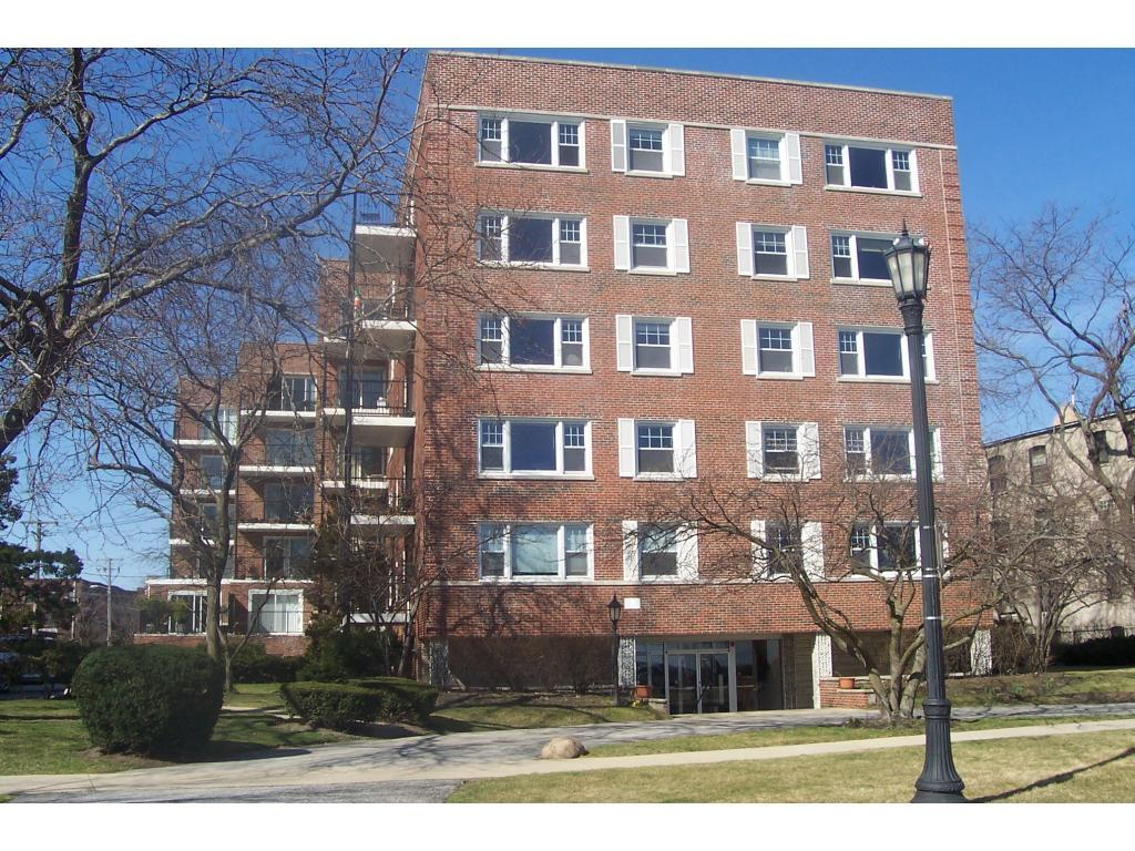 550 Sheridan Square Apartments photo #1