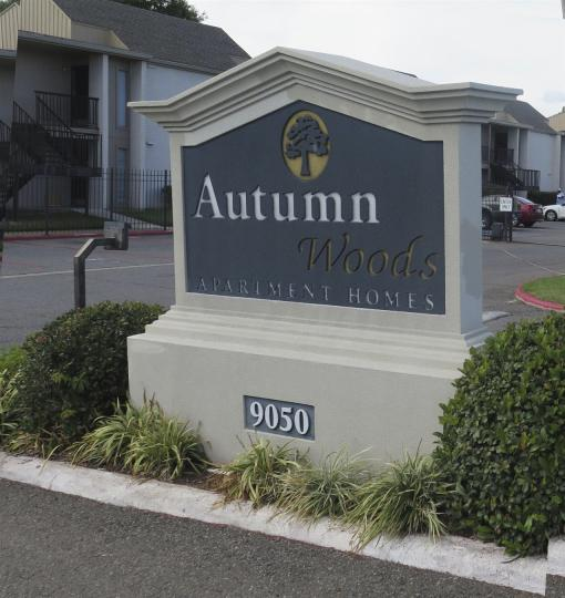 Autumn Apartments: Autumn Woods Apartments, Shreveport LA