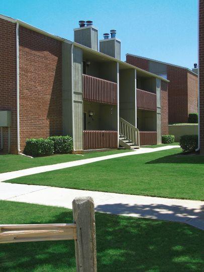 Eastlake Village Apartments Okc
