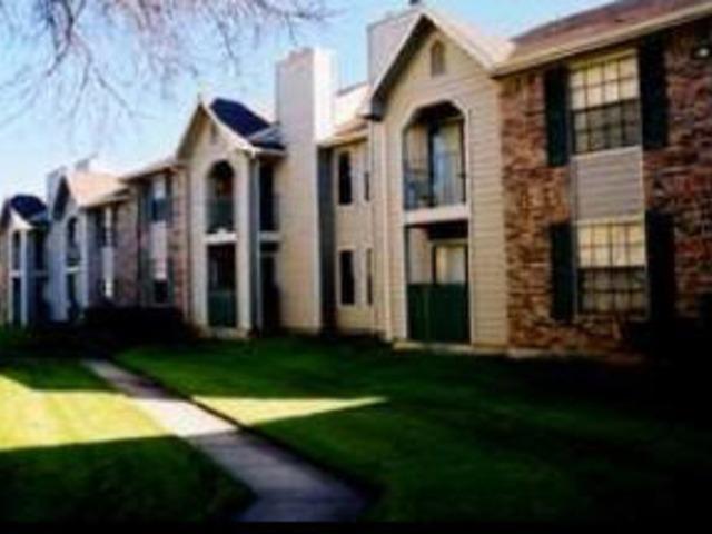 Surrey Oaks Apartments photo #1