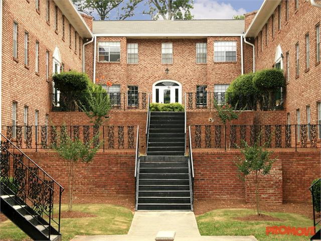 Windsor Hall Apartments photo #1