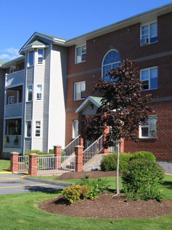 92 Armstrong Court Apartments Photo #1