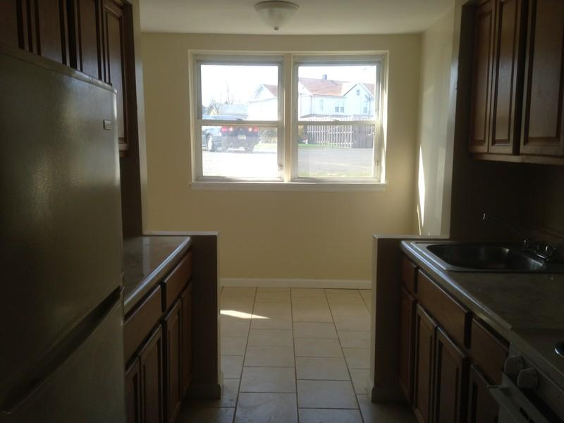 Apartment For Rent In Rahway, NJ Photo #1