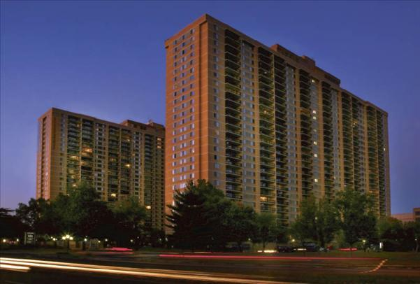 Skyline Towers Apartments photo #1