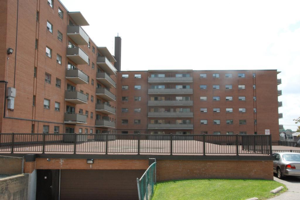 2600 finch avenue west apartments toronto on walk score - 3 bedroom apartments for rent toronto ...