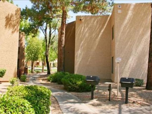 Del Sol Apartments photo #1