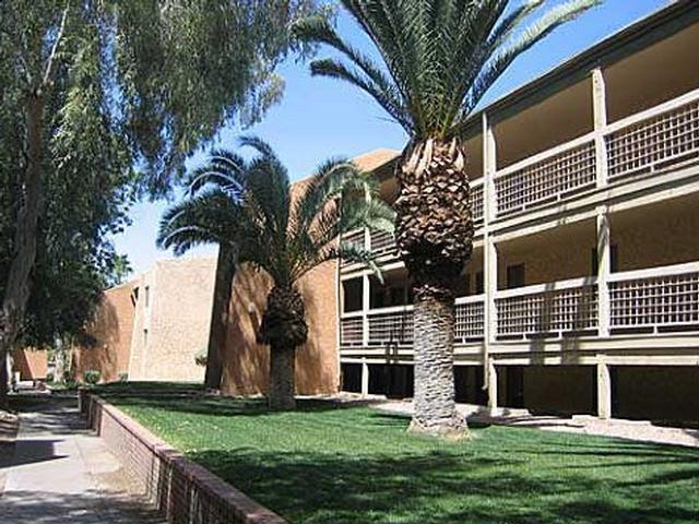 La Mirada Apartments photo #1