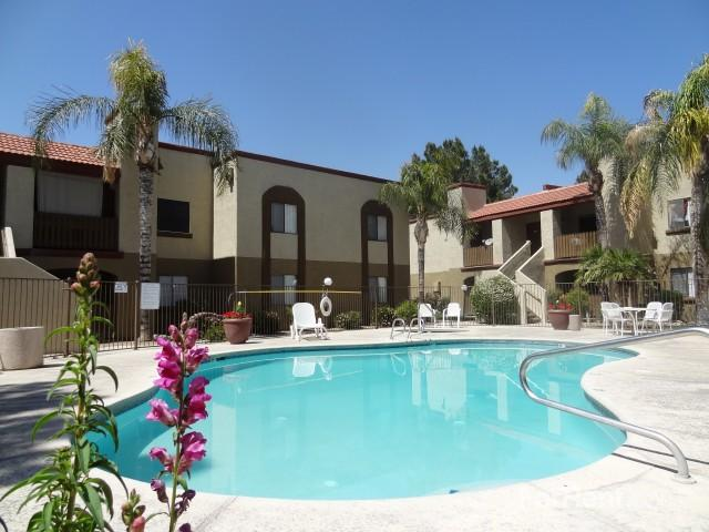 Cantera Apartments photo #1
