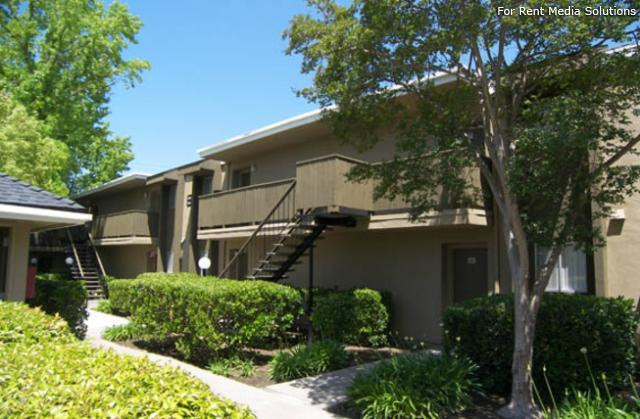 The Pointe on Bell Street Apartments photo #1