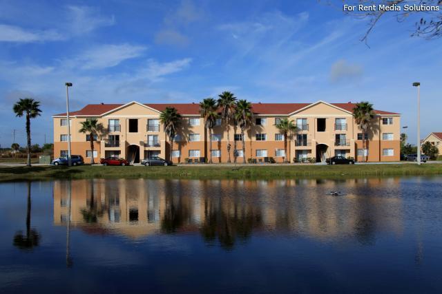 Sabal Chase Apartments photo #1