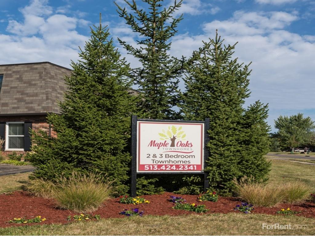 Maple Oaks Townhomes Apartments photo #1