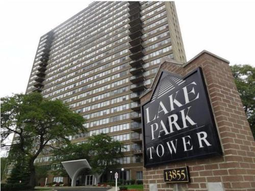 Lake Park Tower Apartment Apartments photo #1