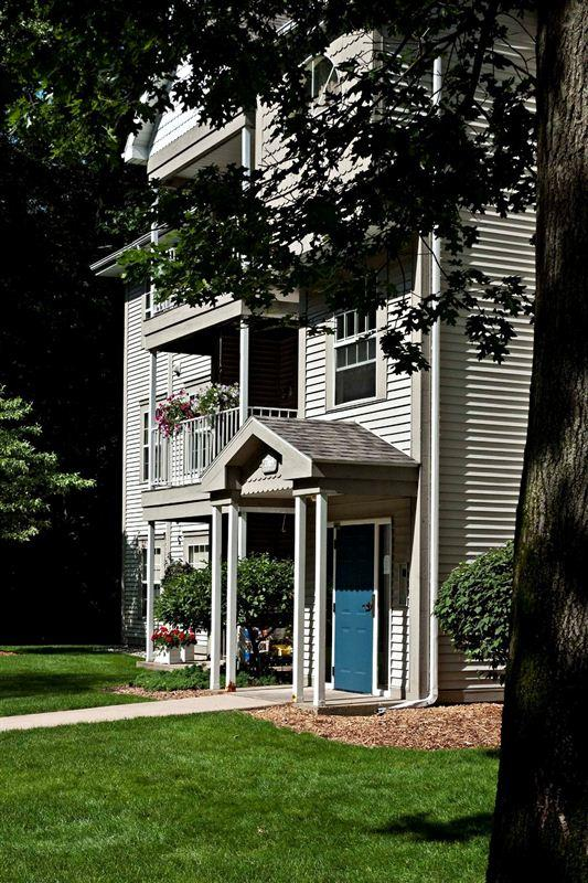 VanderVeen Management Services, Inc. Apartments photo #1