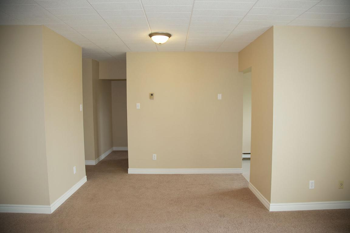1 Bedroom Apartment for Rent: 87, 93 &107 Compton St., Kingston