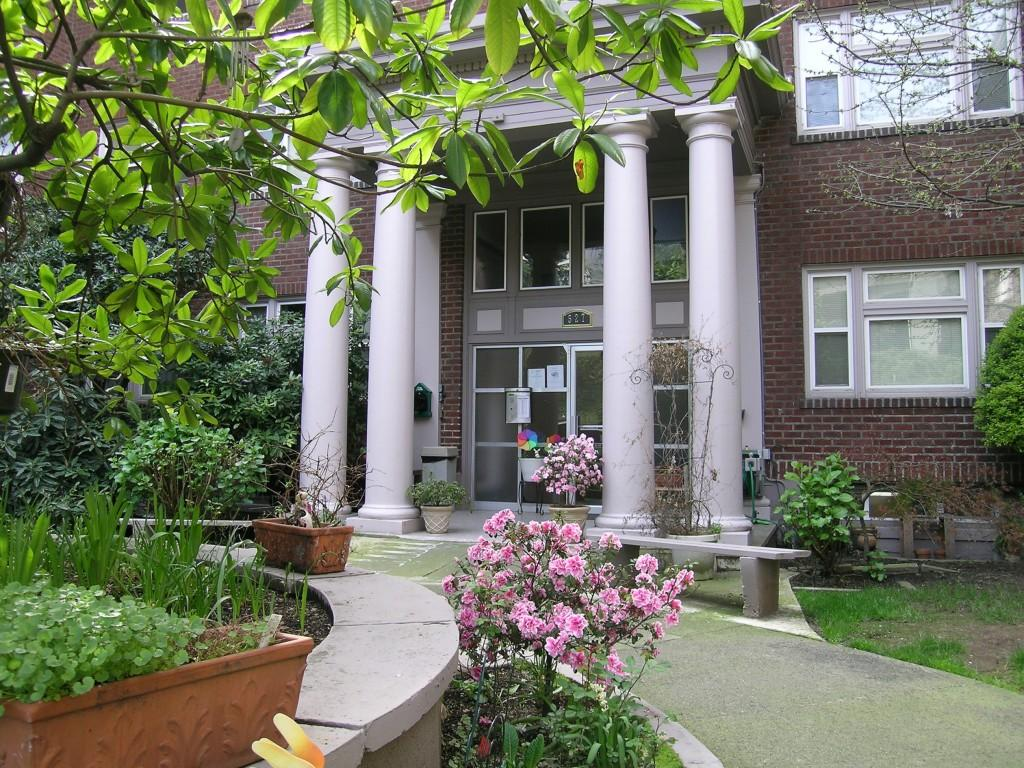 Carolina Court Apartments photo #1