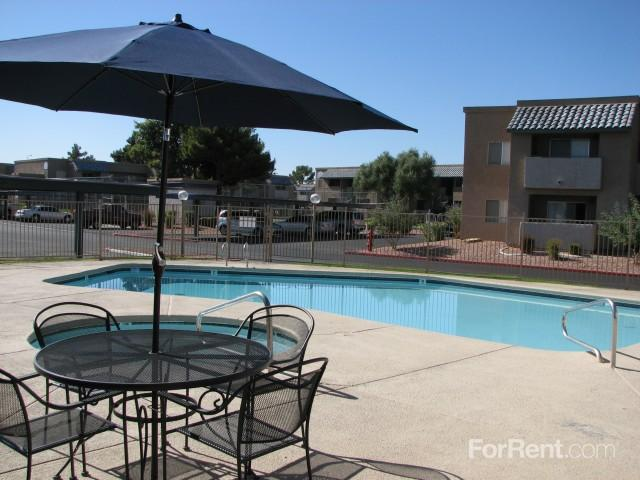 Las Palomas on Boulder, is a jewel on the east side of the valley. Apartments photo #1