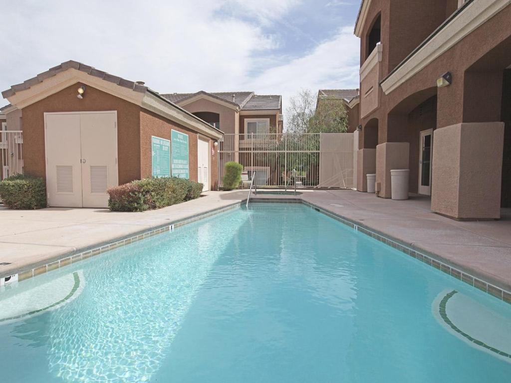Tierra Villas at Lone Mountain Apartments photo #1