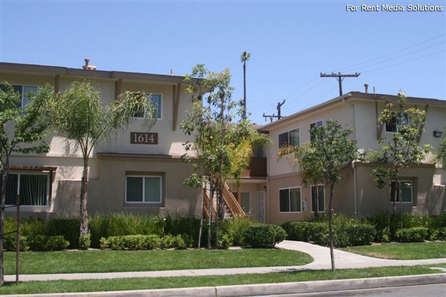 Hermosa Village Apartments Anaheim Ca