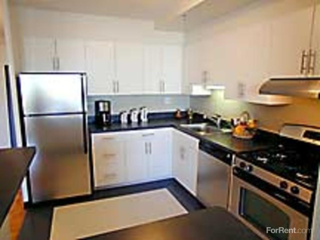rent at the longwood apartments ranges from 2 455 for a one bedroom