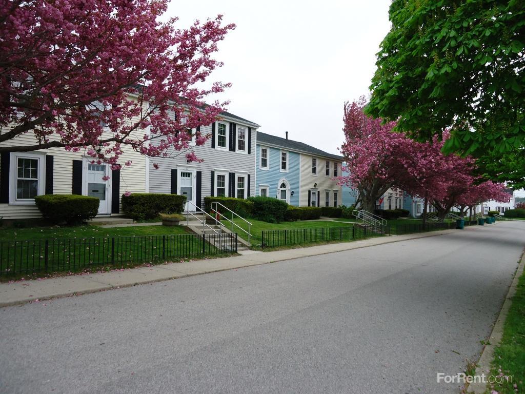 Fort Adams Homes Apartments photo #1