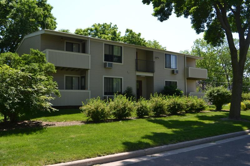 Quiet 1 Bedroom tucked away in wooded setting h...