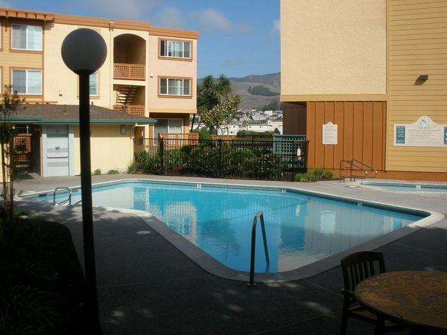Peninsula Pines Apartments photo #1