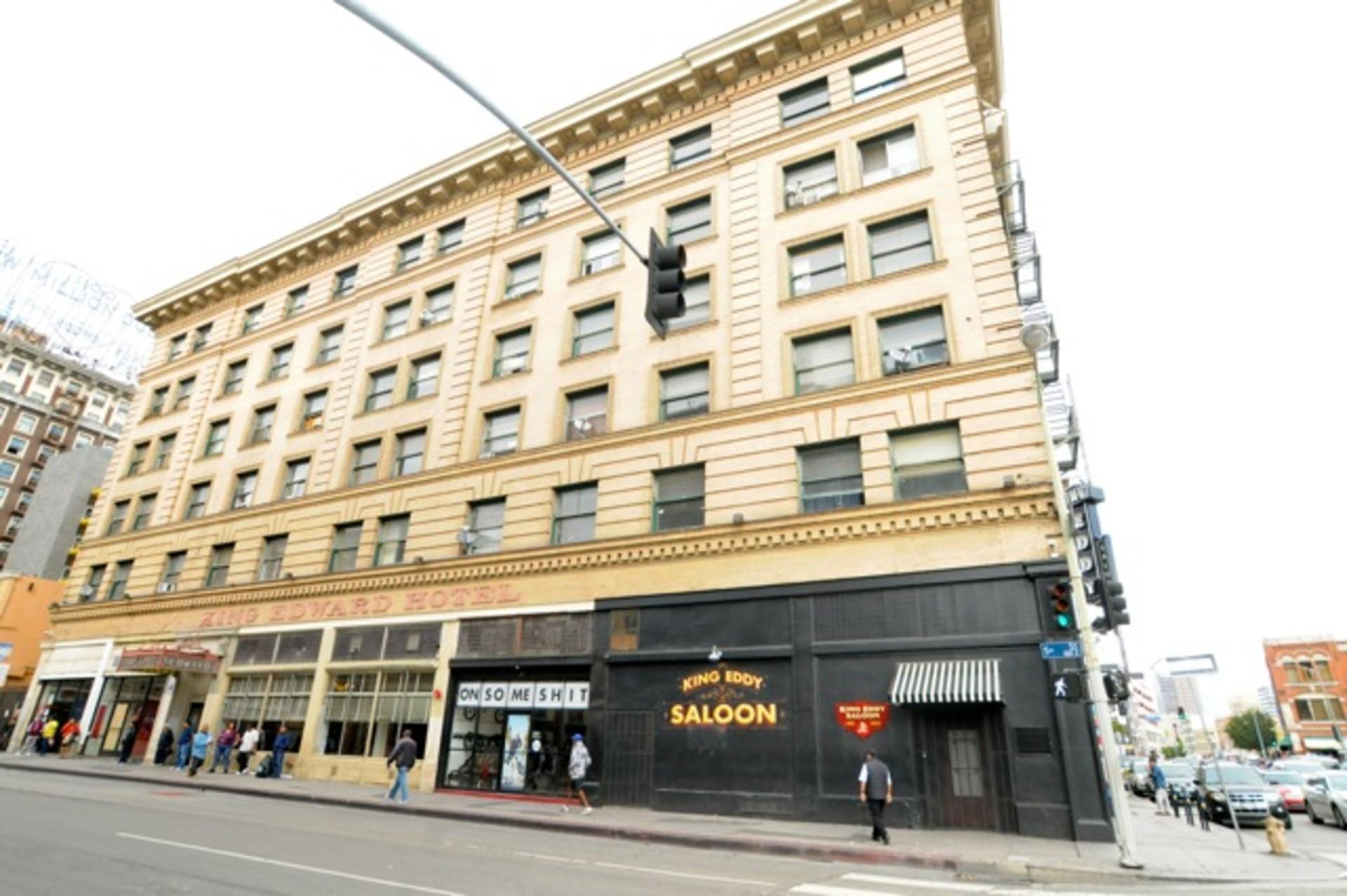 121 e 5th st los angeles ca walk score for Cat hotels los angeles