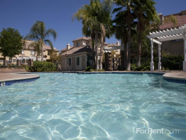The Colony Townhomes Apartments photo #1