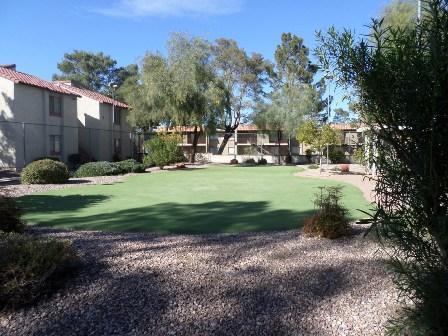 Vista del Valle Apartments photo #1