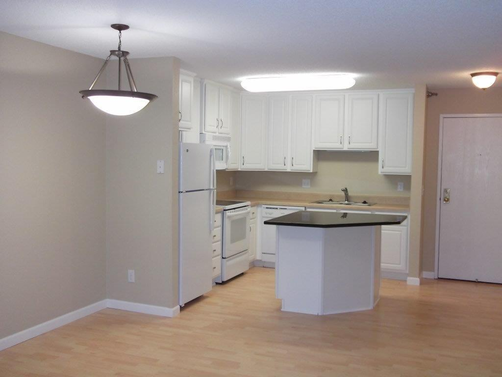 Sterling Ponds Apartments photo #1
