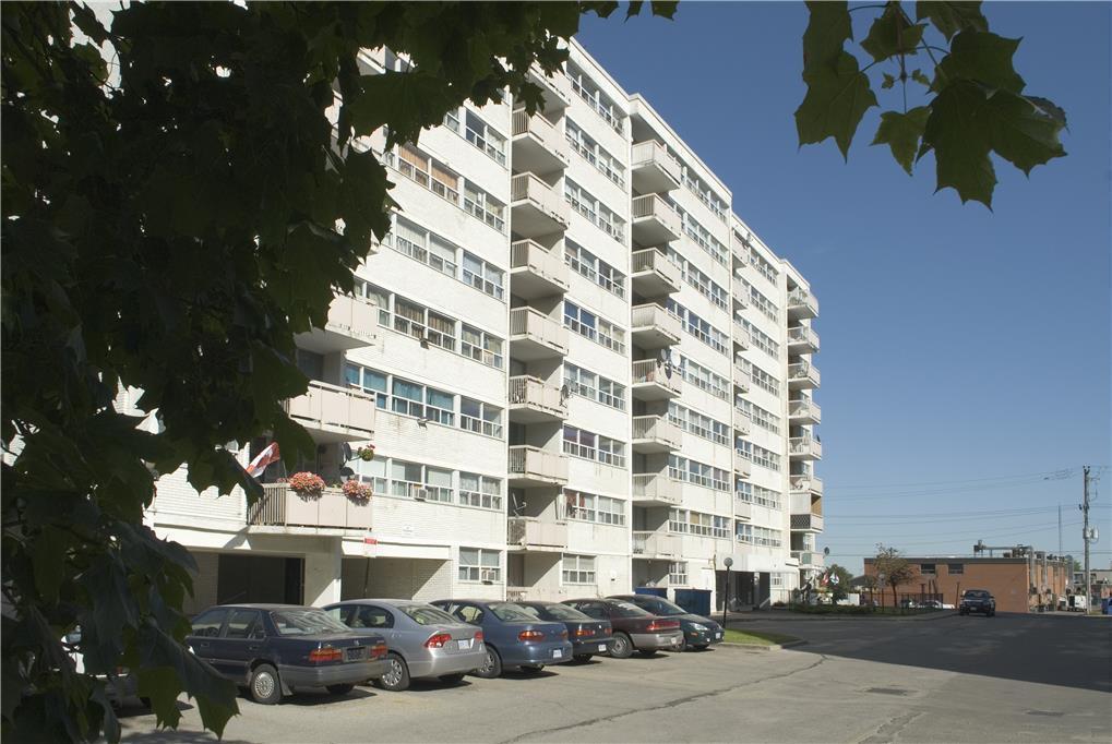 186 Church Street, East Apartments photo #1