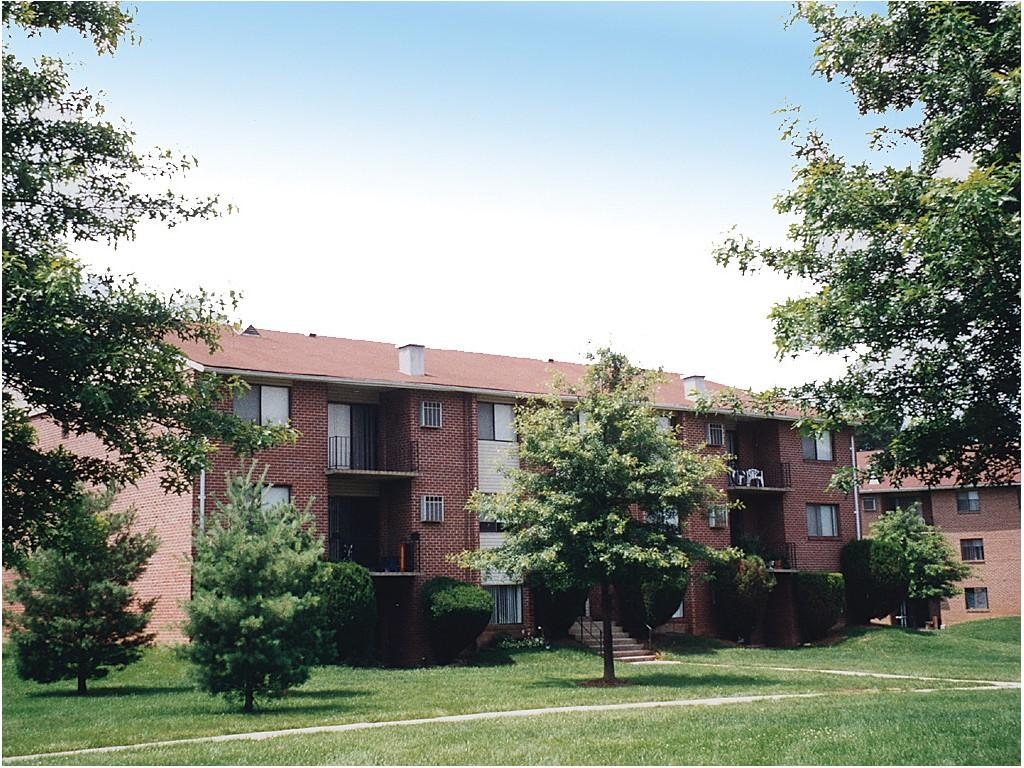 Deer Park Apartments photo #1