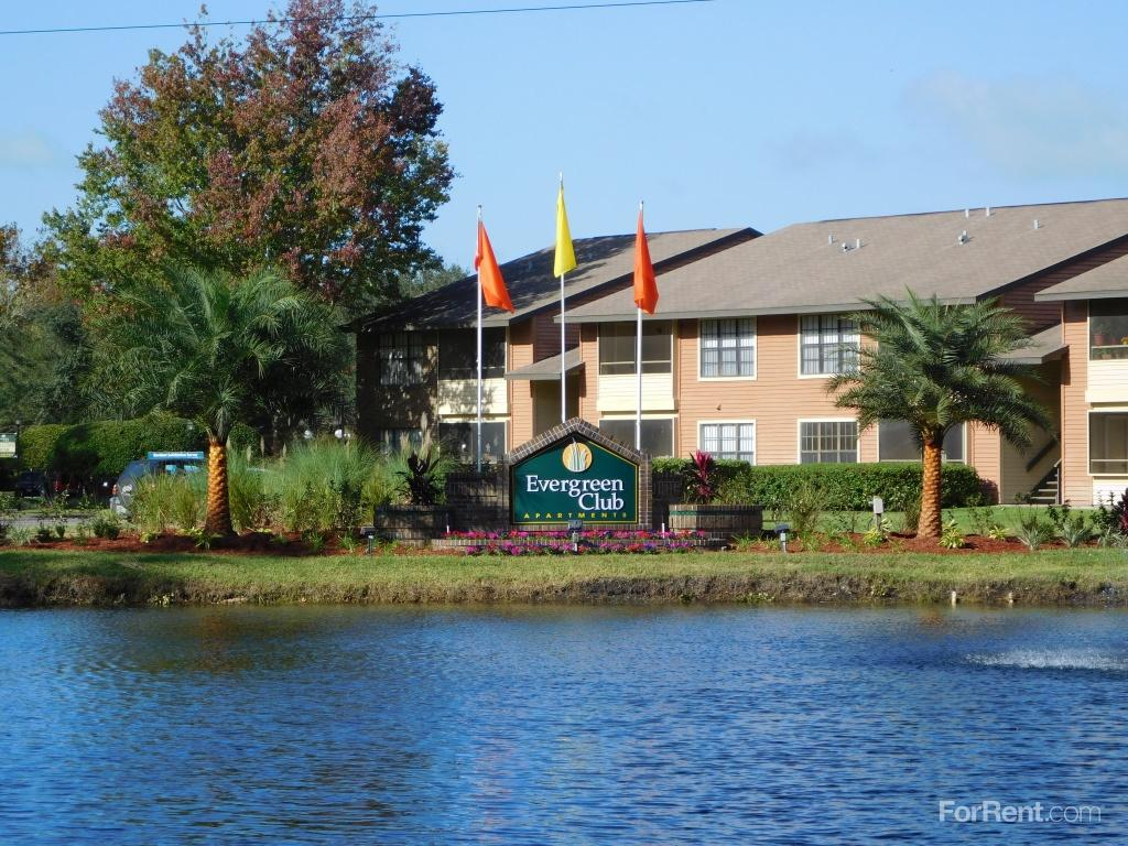 Evergreen Club Apartments photo #1