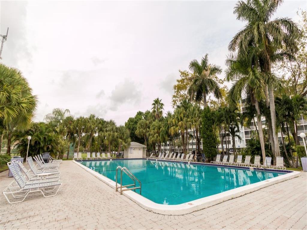 Ellington Apartments Miami Fl