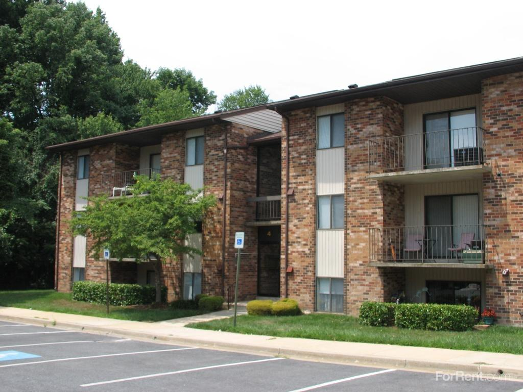 Old Orchard Apartments photo #1