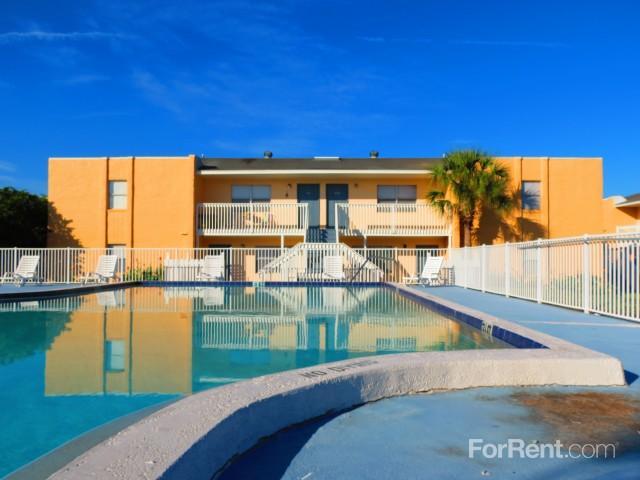Marina Vista Apartments photo #1