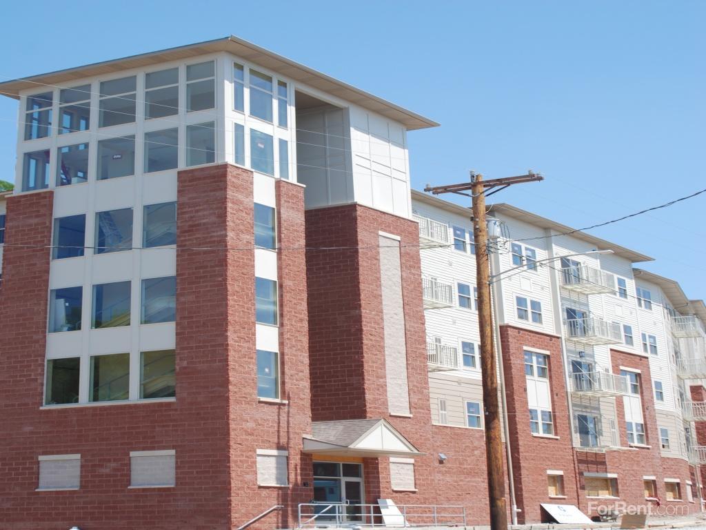 Portal Place Apartments photo #1