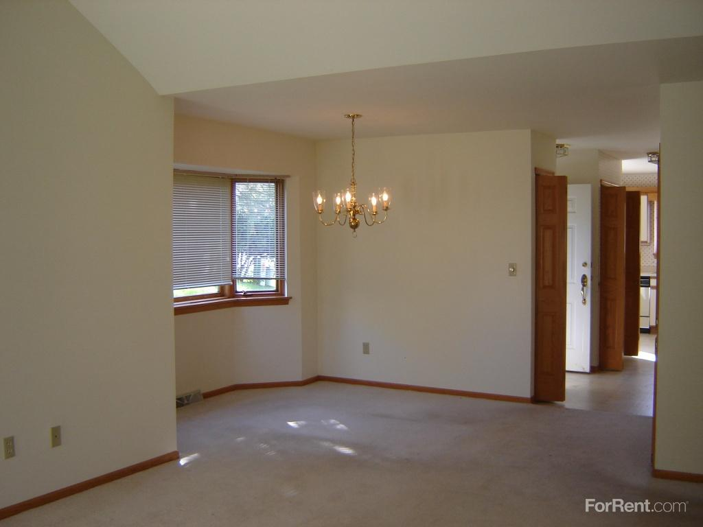 Villas At Granville Apartments Milwaukee Wi Walk Score