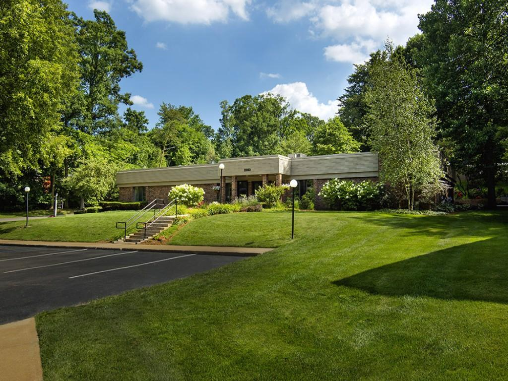 glen oaks Our muskegon, mi apartments, glen oaks, are located on rolling greens with copious oak trees enjoy the outdoors with modern amenities take a tour.