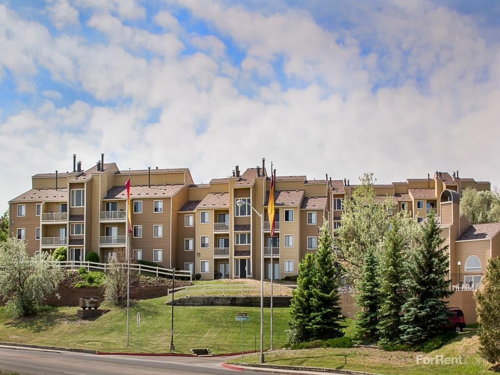 Whispering Hills Apartments photo #1
