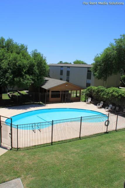 Seven Oaks Apartments Photo #1