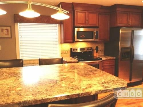 $3500 3 bedroom Townhouse in Milwaukee Suburbs West Greenfield
