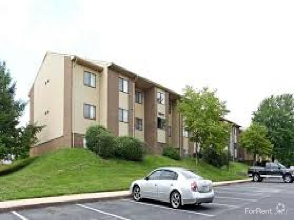 Carlyle Landing Apartments photo #1