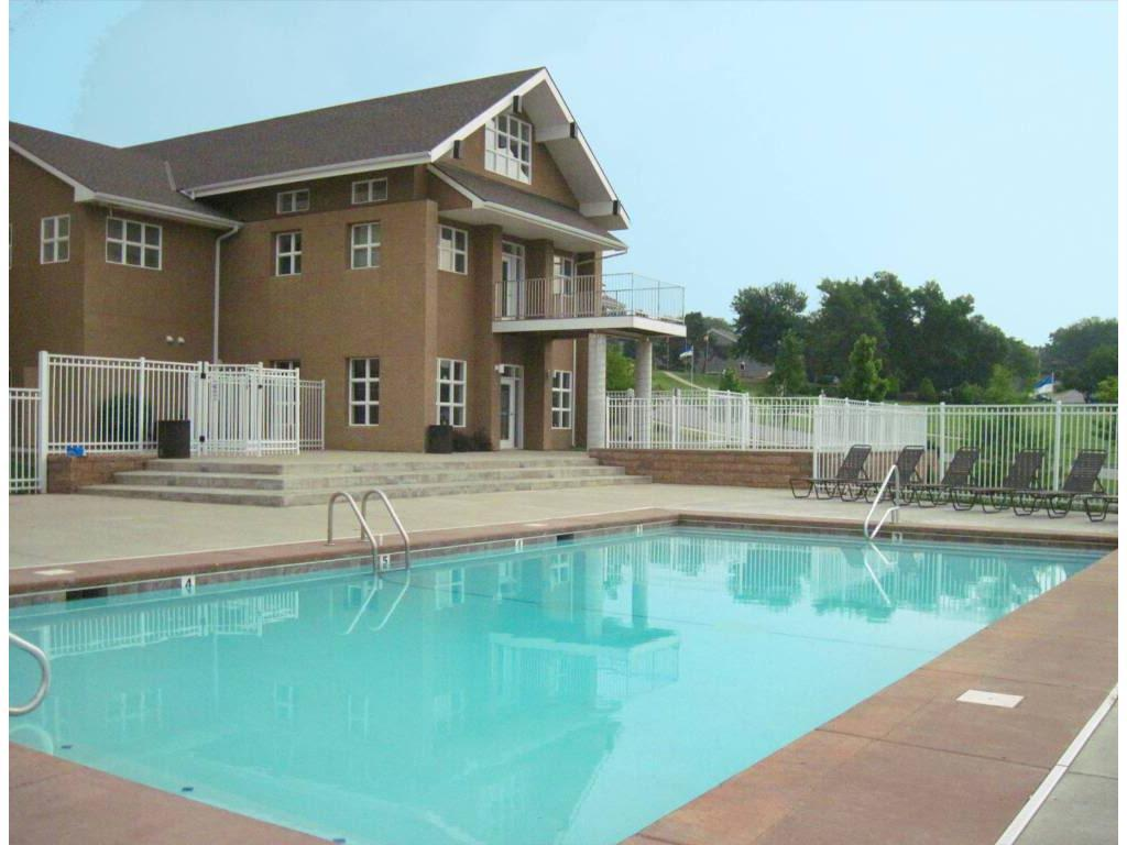Meadowbrook Apartments & Townhomes photo #1