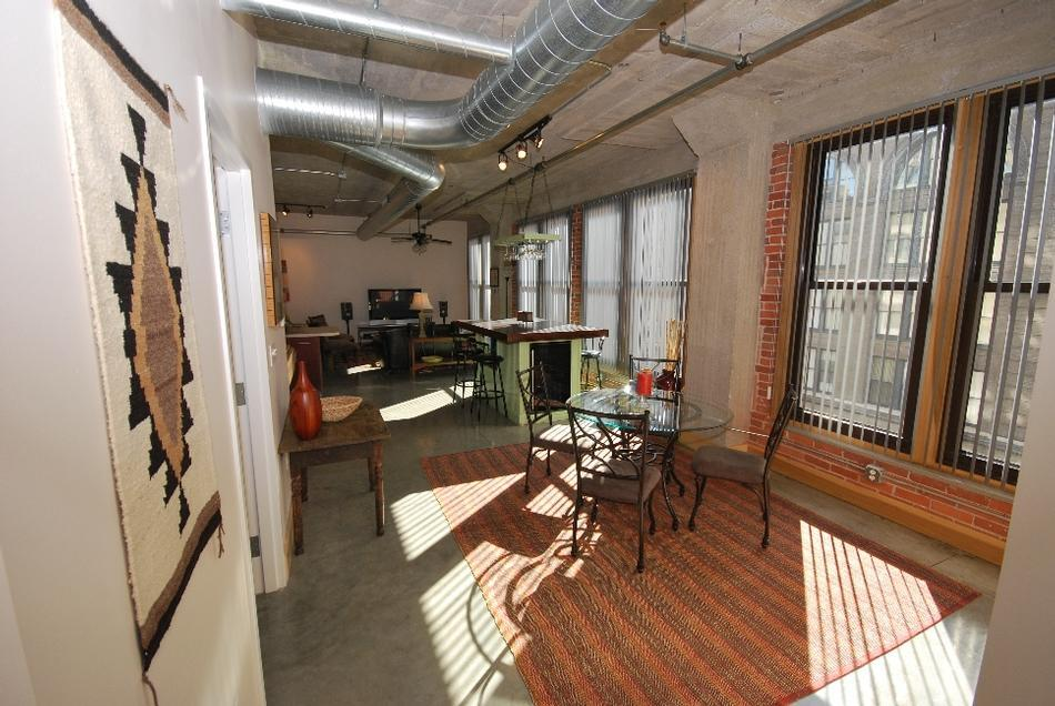 Fashion square lofts apartments st louis mo walk score for Apartment fashion