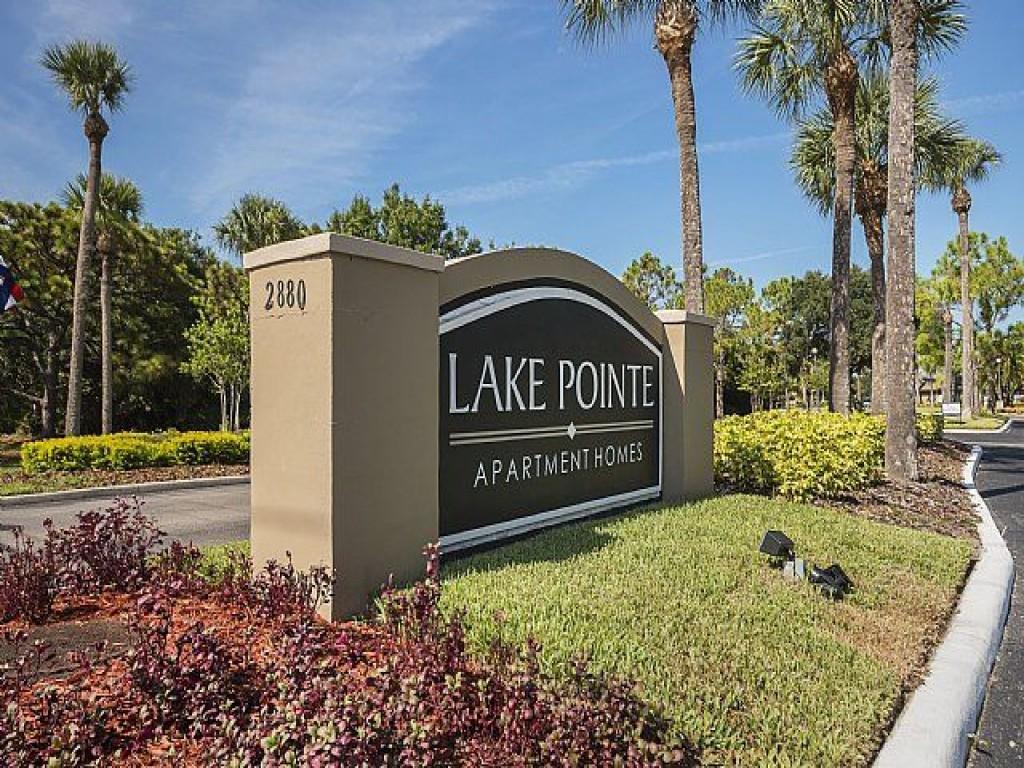 Lake Pointe Apartments photo #1