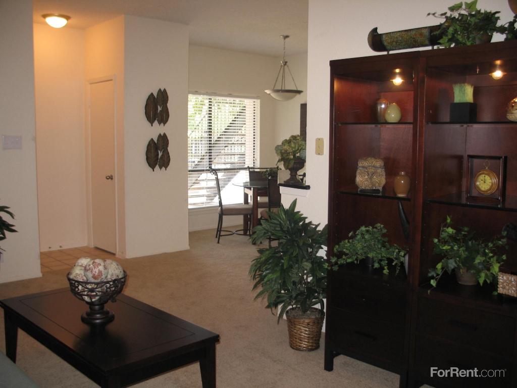 Limestone Oaks Apartments