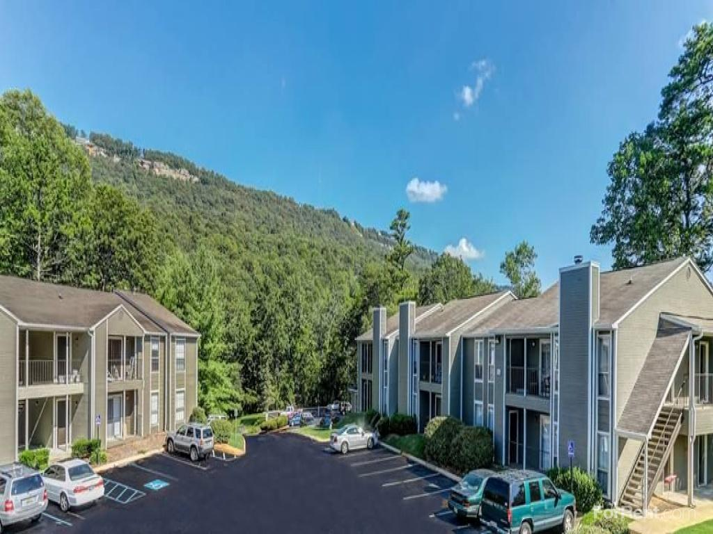 Average Rent For 1 Bedroom Apartment Rise At Signal Mountain Apartments Chattanooga Tn Walk