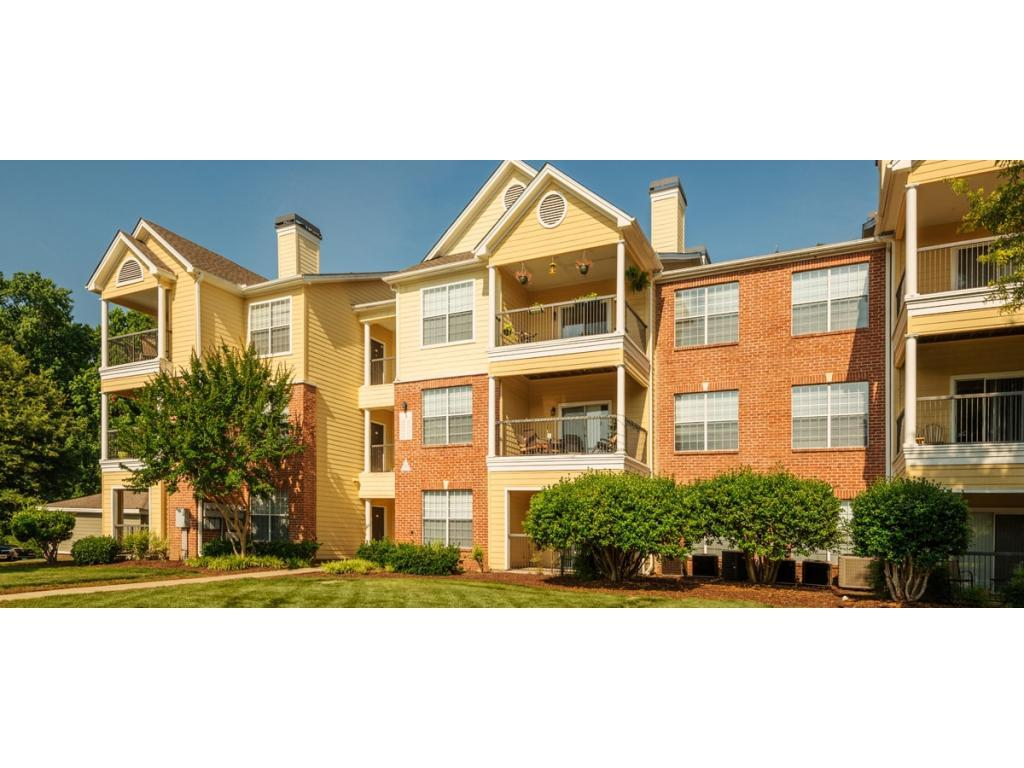 Colonial Grand At Patterson Place Apartments Photo #1