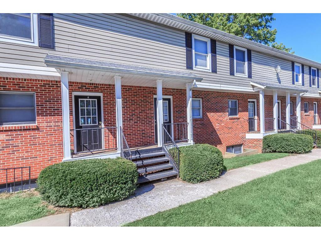 Townhouses On 10th Apartments Bloomington In Walk Score